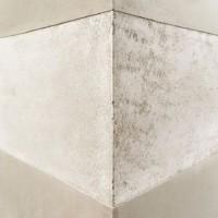 When rough meets smooth. Contrasting textures in our unique plaster finishes #viero #vierouk #interiordesign #polishedplaster #plasterfinish #surfacefinish #texturedwalls #industrialdesign #architecture #luxuryinteriors
