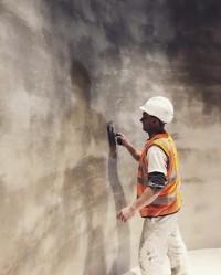 Building texture.. #viero #vierouk #applicator #interiordesign #workinprogress #luxuryinteriors #plasterfinish #plasterwalls #texturedplaster #polishedplaster #surfacedesign #bespokeinteriors #craftmanship #shadows #texture #concreteinteriors