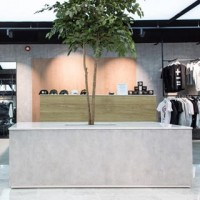 G H I B L I . . Ghibli is a highly durable decorative paint with short installation times. It is very easy to maintain but retains plenty of urban character. . . Featured here in the @brother2brotheruk store in reading.  #retail #design #textures #paintfinishes #retaildesign #interiordesign #reading #uk #shopping #concrete #fauxconcrete #polishedplaster #retailtherapy