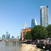 Beach in the City ? is there anything more exciting than a London heatwave? . . . #london #summer #heatwave #londonheatwave #londonbeach #embankment #citybeach #oxotower #londonskyline #business #lovelondon #blueskies #riverthames