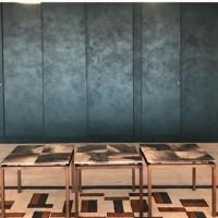 A recent installation for the Soho House Group at one of their London residences. ???????? . . #vierouk #sohohouse #london #interiordesign #luxuryinteriors #interiorinspo #wallfinish #polishedplaster #venetianplaster #architecture #surfacefinish